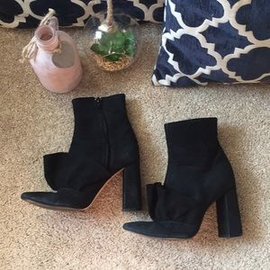 Zara 6.5 black suede boots booties with ruffles